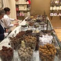Photo prise au Mary Chocolaterie par Brook H. le7/15/2015