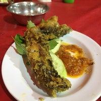 Photo taken at Nasi Uduk & Sea Food 72 by Alfit A. on 6/13/2013