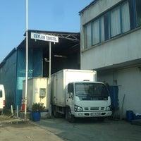 Photo taken at Ceylan Tekstil Apre ve Boya Tic Ltd Şti by Ahmet Şükrü K. on 8/29/2013