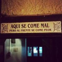 Foto diambil di La Destileria oleh Gabriel C. pada 5/5/2013