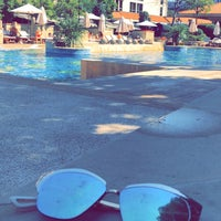 Photo taken at Grand Hyatt Swimming Pool by A✨ on 8/19/2018
