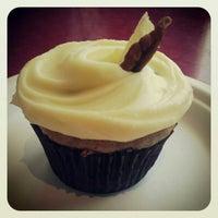 Photo taken at Big Sugar Bakeshop by Marleine P. on 3/23/2013