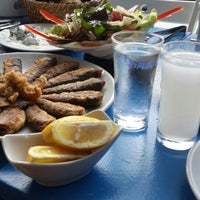 Foto diambil di Saka Balık Evi oleh Cansu K. pada 9/6/2015