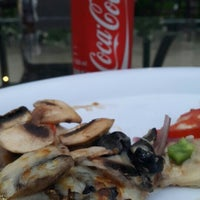 Photo taken at Pizzeto by Leticia R. on 10/15/2015