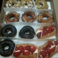 Photo taken at Do-Rite Donuts & Coffee by Angel Y. on 5/10/2013