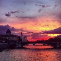 Photo prise au Paris par Anton Y. le5/15/2013