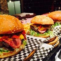 11/30/2015 tarihinde That's Burger T.ziyaretçi tarafından That's Burger'de çekilen fotoğraf