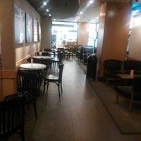 Photo taken at 星巴克 Starbucks by Chiyoshi K. on 2/4/2013