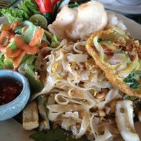 Photo taken at Ulu Thai Food by Jelyn C. on 11/10/2012