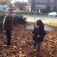 รูปภาพถ่ายที่ Van Neste Square โดย Francisco E. เมื่อ 11/9/2014