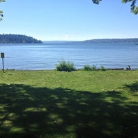 Photo prise au Seward Park Loop par EJ V. le6/30/2013