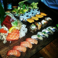 Photo prise au Blue Ribbon Sushi par Kenny T. le1/16/2013