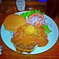 Photo taken at Sparky's Giant Burgers by Kenny T. on 8/24/2013