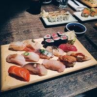 Foto tomada en Sushi Yasaka por Evelyn L. el 3/21/2016