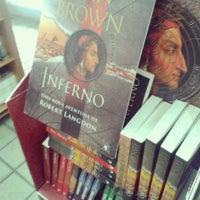 Photo taken at Livraria Itatiaia by R. G. on 11/5/2013