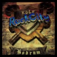 Das Foto wurde bei Kule Rock City von Murat O. am 11/1/2012 aufgenommen