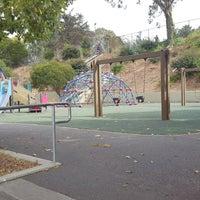 Foto tirada no(a) Little Hollywood Community Park por K!K em 8/13/2017