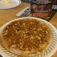 Photo taken at Waffle House by Amber Rose A. on 9/7/2015