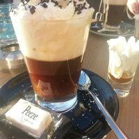 Foto diambil di Stroming Eten & Drinken oleh Şifa A. pada 3/11/2014