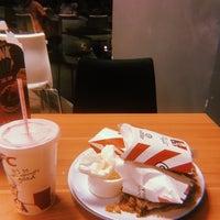 Photo taken at KFC by Lala S. on 8/16/2018