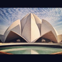Photo taken at Lotus Temple (Bahá'í House of Worship) by Fabio T. on 12/7/2012