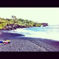 Photo taken at Black Sand Beach by Kuang Y. on 11/27/2012
