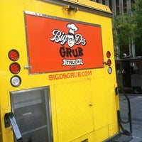 Photo taken at Big D's Grub Truck by Gourmet C. on 10/15/2012