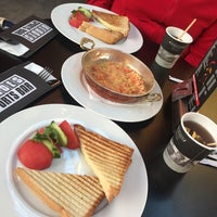 Foto tomada en Sportsbar & Restaurant por Dima C. el 11/19/2016