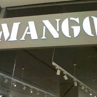 Foto tomada en Mango por farah f. el 12/1/2012