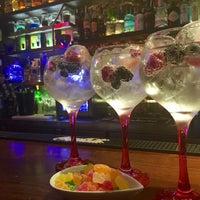 Foto tomada en 47 Cocktail Bar por Nayely A. el 6/25/2016