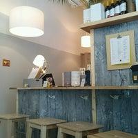 Das Foto wurde bei Sushi Lounge von Janne S. am 11/6/2016 aufgenommen