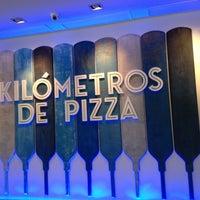 Foto diambil di Kilómetros de Pizza oleh orcoandme pada 8/28/2013