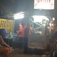 Photo taken at Martabak Rudy by KIKIBAGUS ™. on 6/30/2015