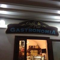 Foto scattata a Caffè Pino da Maricia il 6/13/2013