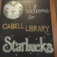 Photo taken at Starbucks by Lulú D. on 4/25/2016