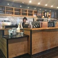 Photo taken at Starbucks by Lulú D. on 4/13/2016
