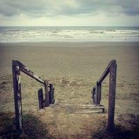 Foto tirada no(a) Praia do Arpoador por Cleide K. em 5/5/2013