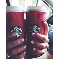 Снимок сделан в Starbucks пользователем Daria 👑 Z. 11/14/2014