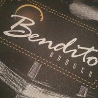 Foto tirada no(a) Bendito Burger por Bia S. em 4/20/2014