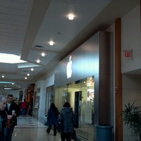 Photo taken at Apple Hilldale by cheri c. on 1/20/2013