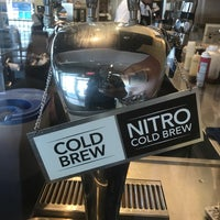 Photo taken at The Coffee Bean & Tea Leaf by Matt D. on 7/29/2017