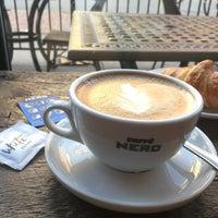 Снимок сделан в Caffè Nero пользователем Kleber P. 9/25/2017
