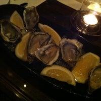 Foto tirada no(a) The St. Regis Bar por Nui R. em 12/18/2012