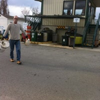Photo taken at Knox County Halls Recycling/Convenience Center by Ronny D. on 3/20/2013