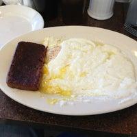 Das Foto wurde bei Spring Garden Restaurant von Eric S. am 3/23/2013 aufgenommen
