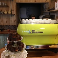 Foto scattata a Bloom Specialty Coffee da Paul W. il 4/3/2016