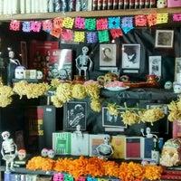Foto tomada en Librería El Ático por Laura W. el 10/28/2015