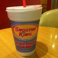 Photo taken at Smoothie King by Hwa young K. on 11/24/2012