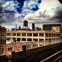 Photo taken at MTA Subway - Queensboro Plaza (N/W/7) by Cari on 9/20/2012