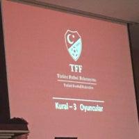 Photo taken at Türkiye Faal Futbol Hakemleri ve Gözlemcileri Derneği   İstanbul Şubesi by Oğulcan Y. on 12/30/2016